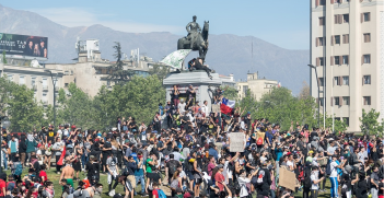 Protesters in Santiago, Chile in 2019. Source: Carlos Figueroa https://bit.ly/38lXTOk