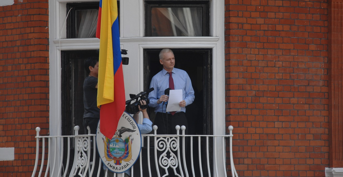 Julian Assange at the Embassy of Ecuador in London.  Source: Snapperjack https://bit.ly/3bSkKmc