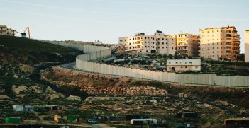 A wall separates Israel from the Palestinian West Bank. Source: Victoria Davis https://bit.ly/3dL1sk3
