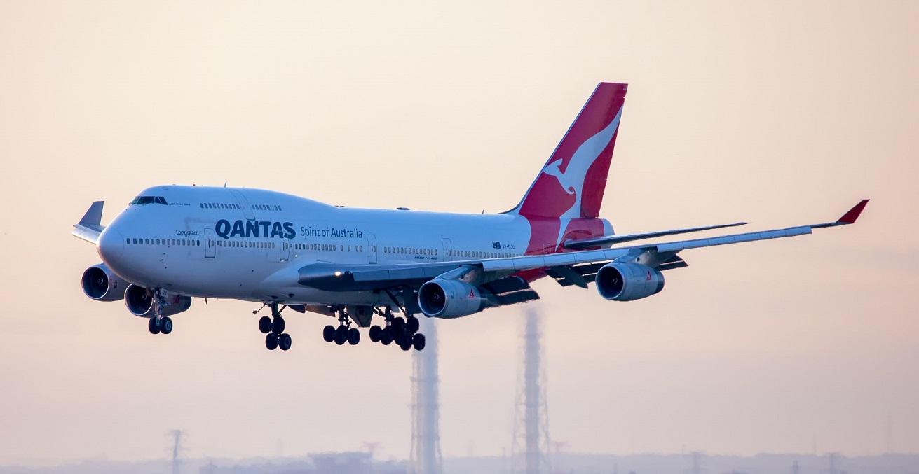 A Qantas 747 on final approach to land. Source: blackqualis https://bit.ly/30bKqYy
