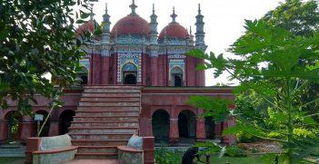 North Karapur Mia Bari Mosque, Barisal, Bangladesh Photo: Shahadat Hossain, https://bit.ly/3g9qfPv