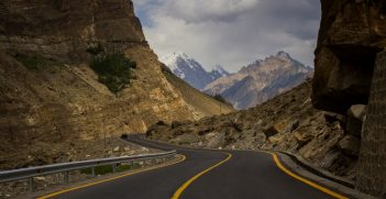 Karakoram Highway ahead of Juglot, Gilgit. Expansion of this highway is a project within CPEC. Source: Saadzafar91 https://bit.ly/3eSZ9NG