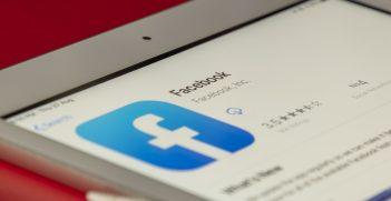 Facebook on a tablet, photo from rswebsols on Pixabay, shorturl.at/EL237