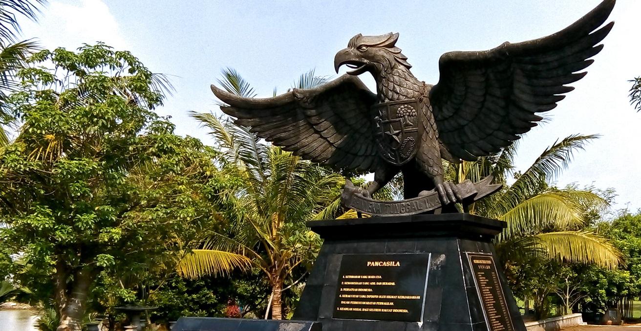 Monumen Garuda Pancasila. Source: baka_neko_baka https://bit.ly/2UB0P8x