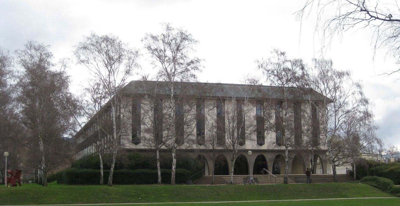 Australian National University Chifley Library,  photographed by Nick D, sourced from Wikimedia Commons, https://bit.ly/34IwnuI