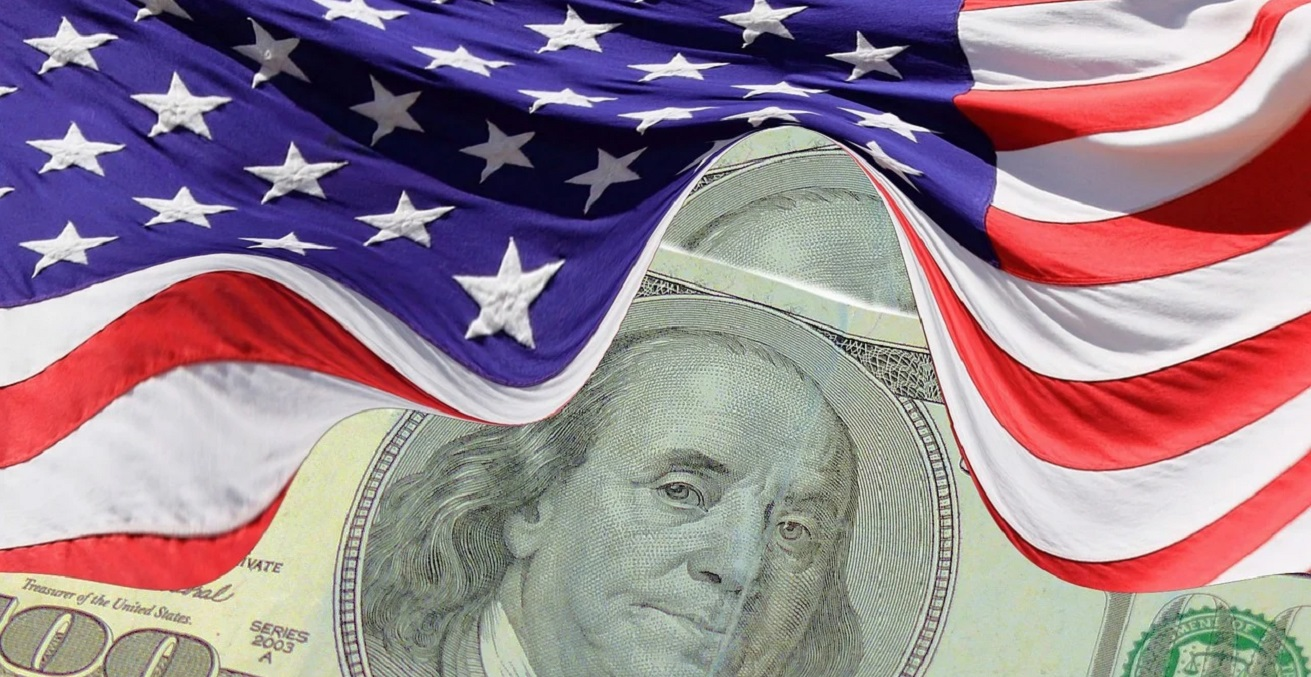 US Flag and Dollar Bill, creator Kai Stachowiak, sourced from Public Domain Pictures, https://bit.ly/3xjQLPz