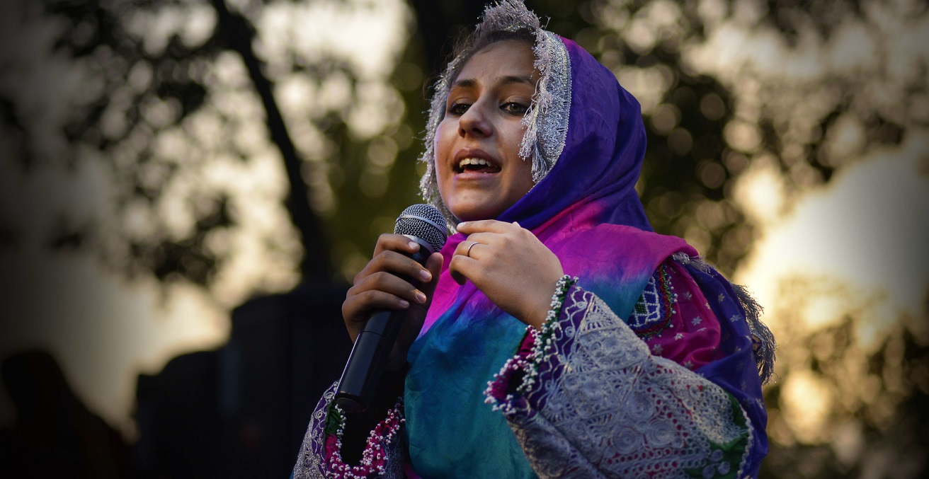 A young Afghan woman speaks at the Afghan Youth Voices Festival. Source: Afghan Youth Voices Festival https://bit.ly/3z2u0jX