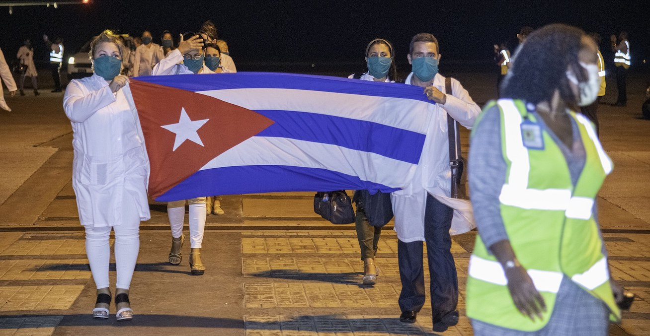 COVID-19 Response: Over 100 Cuban Nurses Arrive Barbados  https://commons.wikimedia.org/wiki/File:COVID-19_Response_Over_100_Cuban_Nurses_Arrive_Barbados_(49740648613).jpg